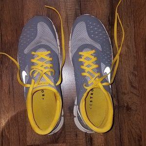 Nike livesteong shoes